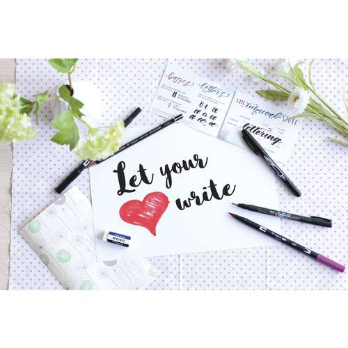 Set Lettering Initiation Tombow